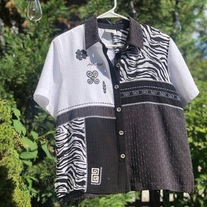 Vintage short sleeve button down w pattern, L